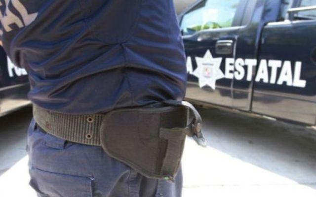 Intentan linchar a 3 policías municipales en Tabasco - Policía de Tabasco
