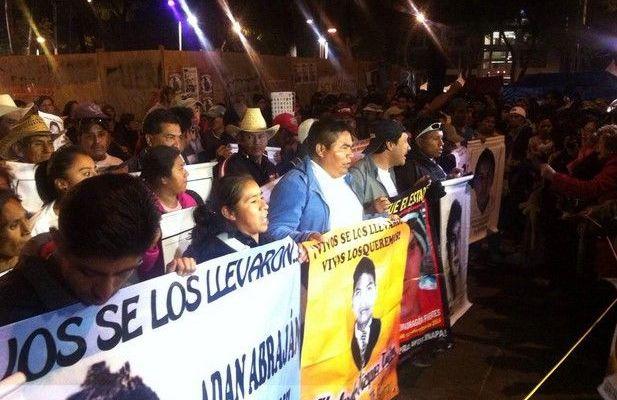 Habrá 4 marchas en el DF por Ayotzinapa - Marcha por Ayotzinapa
