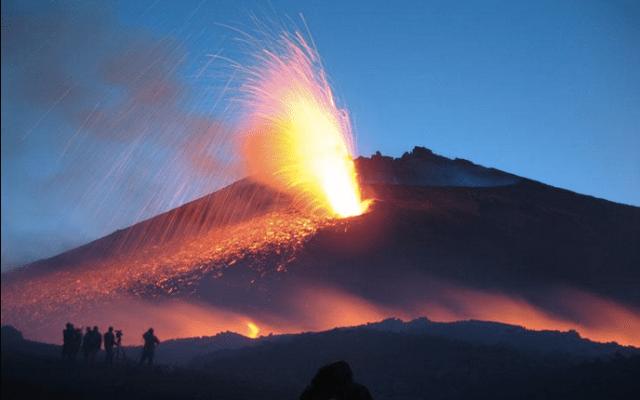 Hace erupción el volcán Etna - Volcán Etna