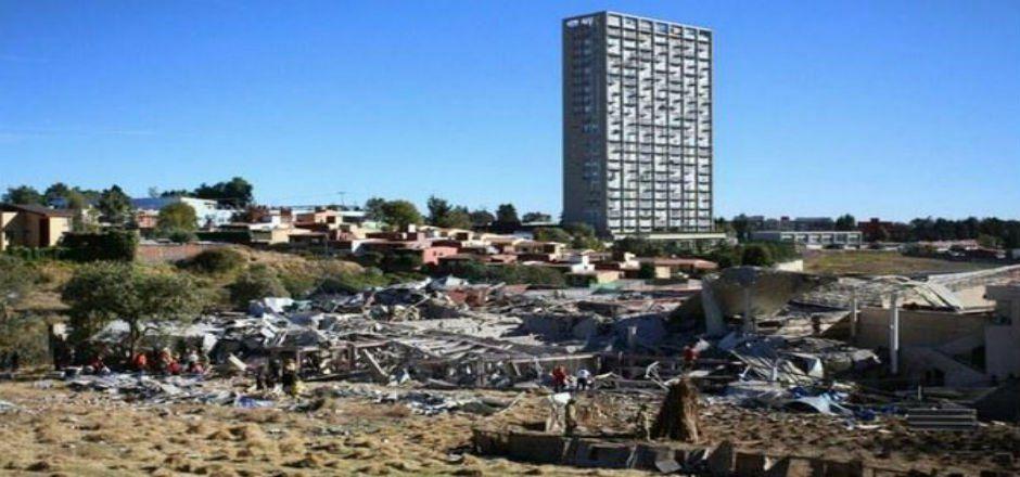 Derechos Humanos del DF vigila que se reparen viviendas afectadas en Cuajimalpa - Foto de La Jornada