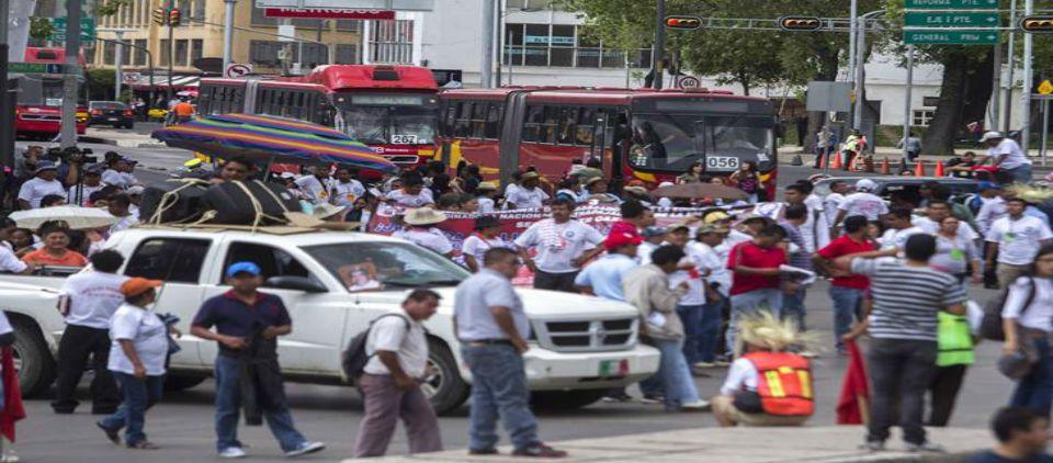 Habrá cuatro manifestaciones en el Distrito Federal - tráfico manifestaciones_el universal