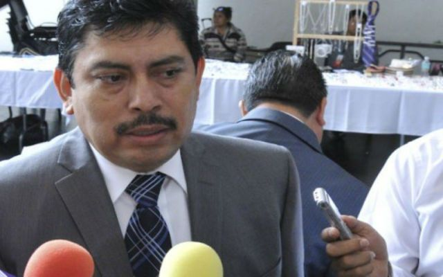 Exigen explicación a senador del PRD por fotos con Abarca - Sofío Ramírez, senador del PRD