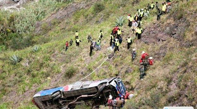 Autobús cae a un abismo en Perú y deja al menos 19 muertos - accidente autobús