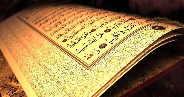 Linchan a mujer por quemar el Corán - Corán