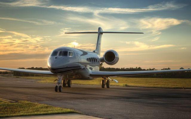 Ministro pide donaciones para comprar jet - Sacerdote pide donaciones para comprar jet