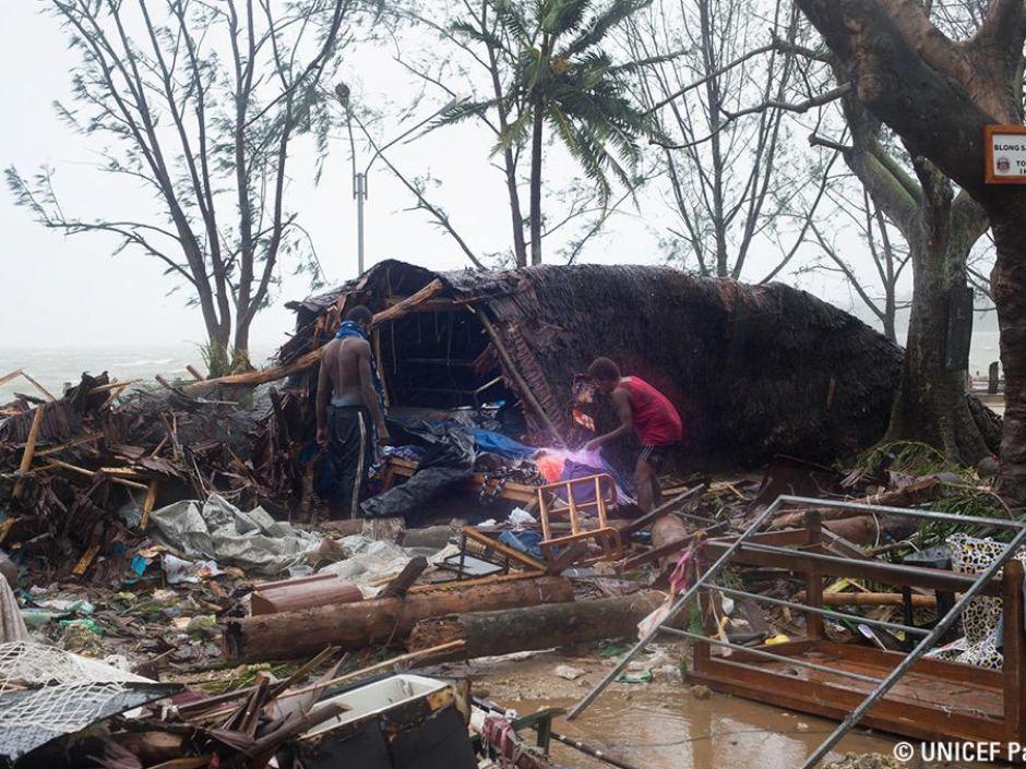 Vanuatu queda devastada por Pam - port vila tras ciclón pam