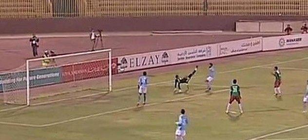 Increíble autogol en la liga de Jordania - Increíble autogol en liga de Jordania