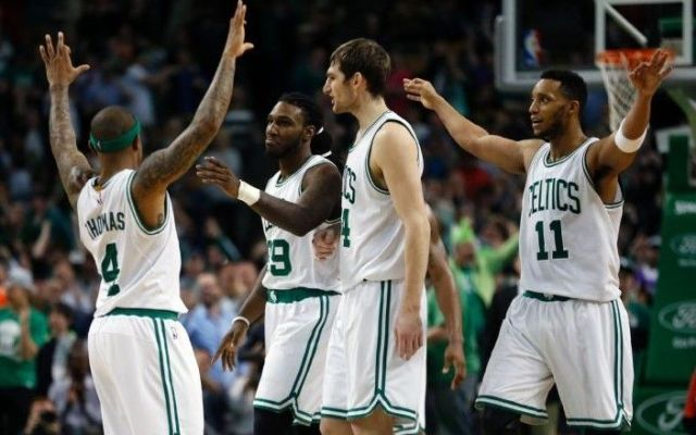 Boston vence de último segundo a Toronto - Boston vence de último segundo a Toronto
