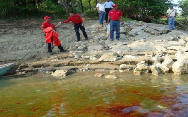 Se reanuda abasto de agua en Tabasco - Derrame de aceite
