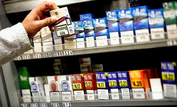Mujeres y adolescentes, los más expuestos al tabaco - cigarros