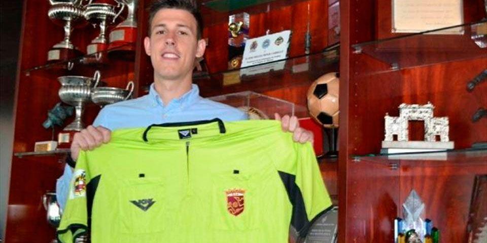 Árbitro salva vida de jugador a medio partido - Adrián Kilian Moreno
