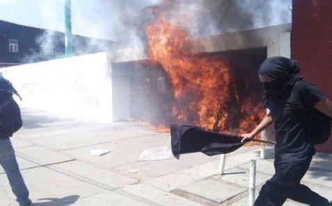 Disturbios en el Día del Trabajo en Oaxaca - vandalismo