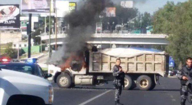 Mantienen código rojo en Jalisco - Bloqueos en la Zona Metropolitana de Jalisco
