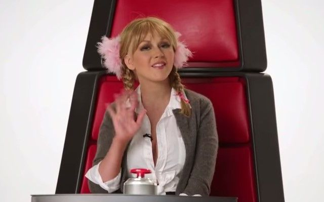 """Christina Aguilera imita a Britney Spears y Cher en final de """"La Voz"""" - Foto de YouTube"""