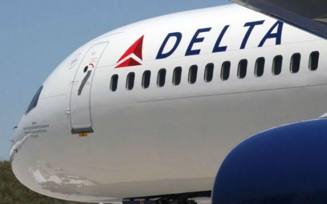Detienen a empleado de Delta con 280 mil dólares en efectivo - Delta Airlines