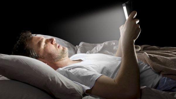Luz de tabletas puede provocar daños oculares irreversibles