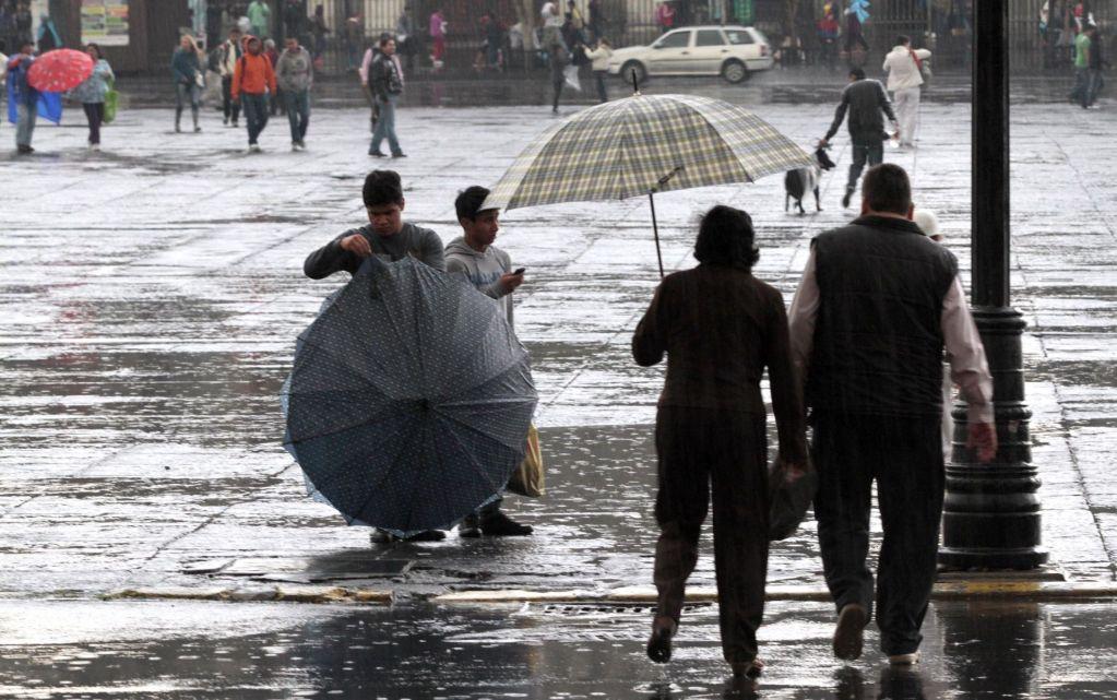 Prevén lluvias fuertes y granizo en el Valle de México