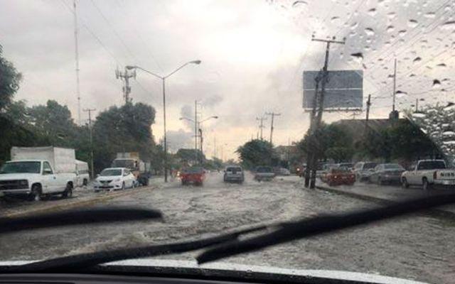 Fuertes lluvias causan inundaciones en Guadalajara - Foto de @Trafico_ZMG