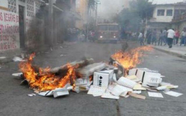 Quema de boletas electorales es un delito que amerita cárcel: INE - Foto de El Universal