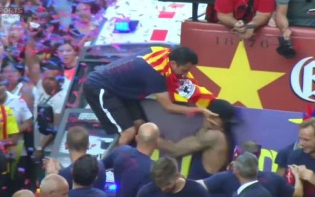 Xavi revela por qué golpeó a Neymar - Foto de YouTube.
