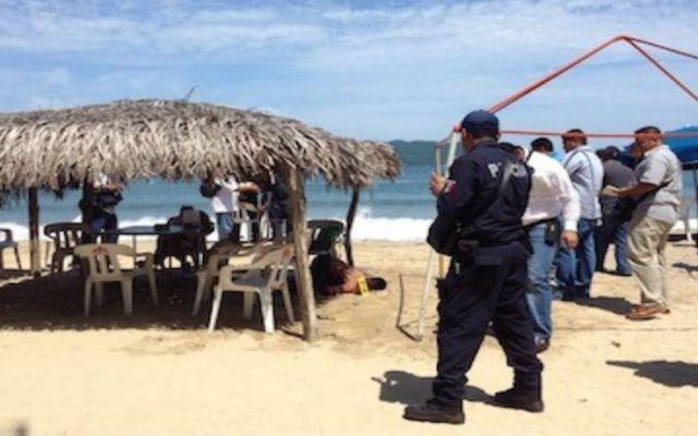 Ejecutan a dos personas en playa de Acapulco - Foto de El Sur
