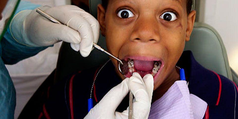 "Dentista ata a niños que ""no cooperan"" - Foto de Internet"
