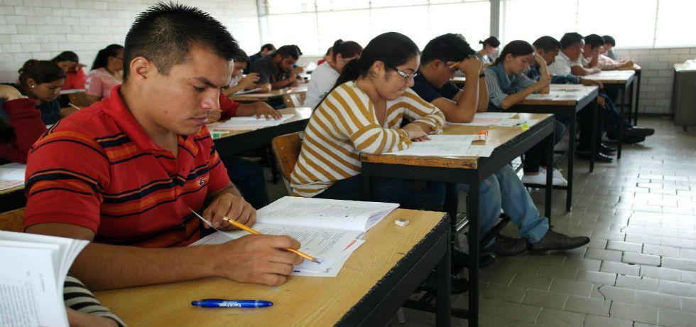 Aplican evaluación docente en 30 estados del país - Foto de sie7edechiapas