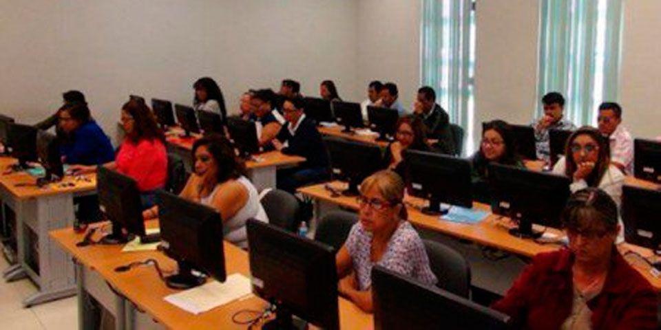 Muestran resultados idóneos 52% de docentes de nivel básico - Foto de Quadratín