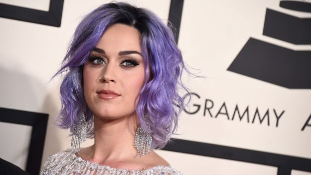 Katy Perry espera decisión judicial para comprar convento