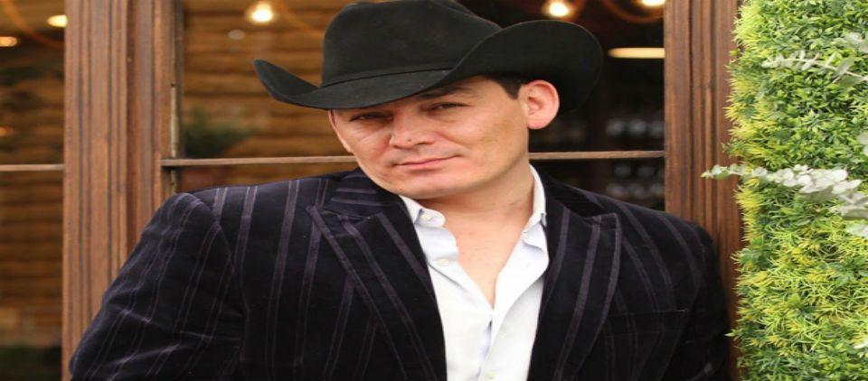 José Manuel Figueroa anuncia concierto homenaje a Joan Sebastian - Foto de Info 7
