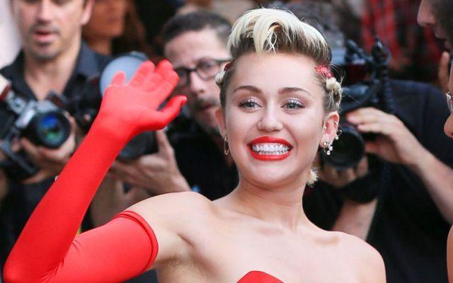 Padres rechazan a Miley Cyrus como conductora de los premios MTV - Foto de Cosmopolitan