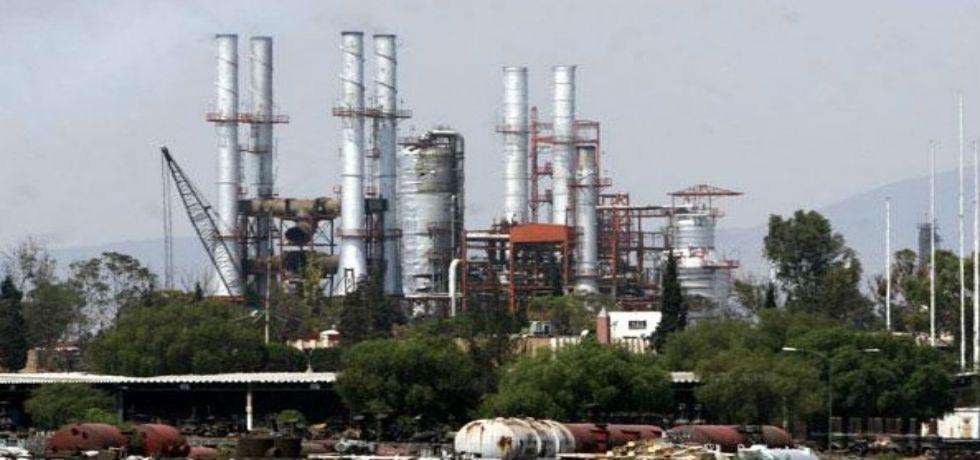 Pemex controla incendio en refinería de Tula - Foto de @davidromerovara