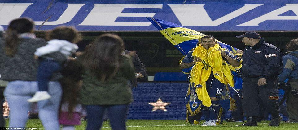 El retorno de Carlos Tévez a La Bombonera - Foto de Daily Mail Online