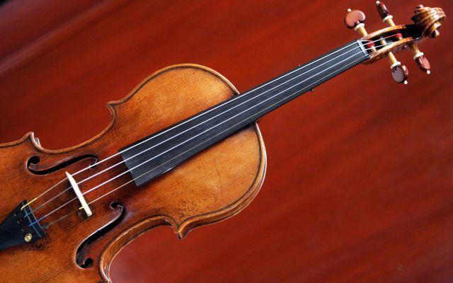 Recuperan violín Stradivarius robado hace 35 años