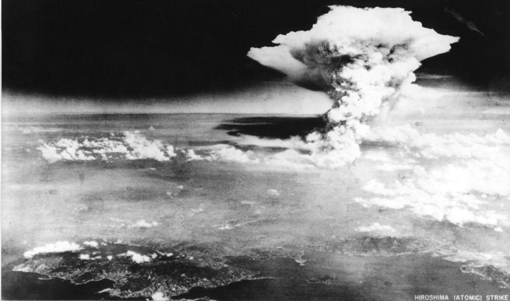 Café Político: armas atómicas abrieron nueva era bélica en la humanidad