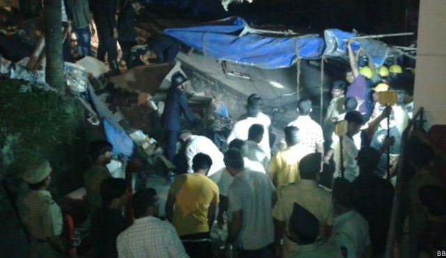 Colapsa edificio en India, al menos 12 muertos - Foto de BBC