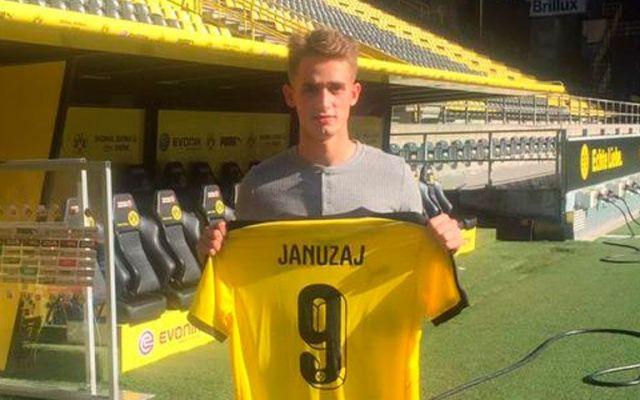 Adnan Januzaj llega al Borussia Dortmund - Foto de Adnan Januzaj