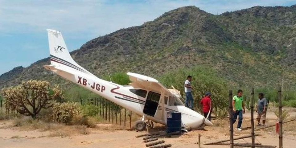 Avioneta se desploma en Caborca. Hay un herido - Foto de Noticieros Televisa