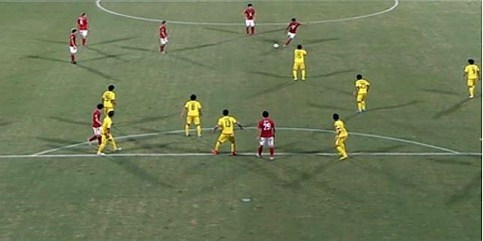 Paulinho imita a Roberto Carlos en Japón - Foto de ABC.