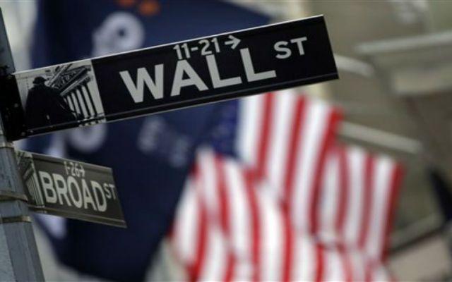Dow Jones cae 491 puntos en su índice industrial - Los buenos datos en Wall Street favorecieron estos repuntes. Foto de AP.