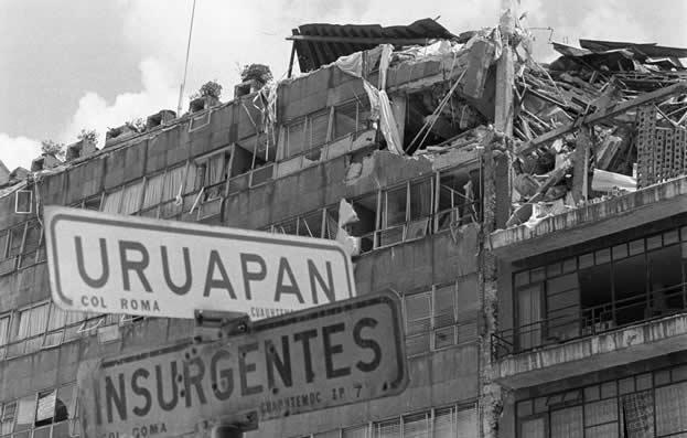 Café Político: terremoto del 85 dejó un olor a muerte en la ciudad