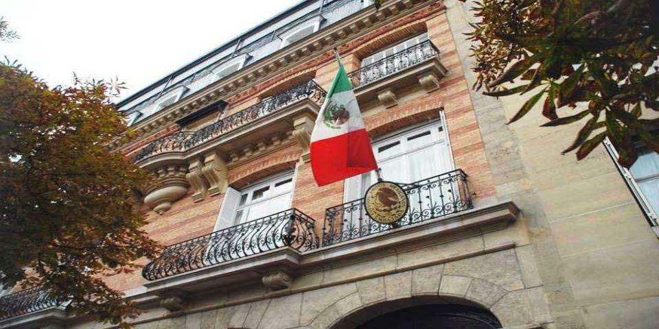 Embajada guarda minuto de silencio por mexicanos muertos en Egipto - Foto de internet