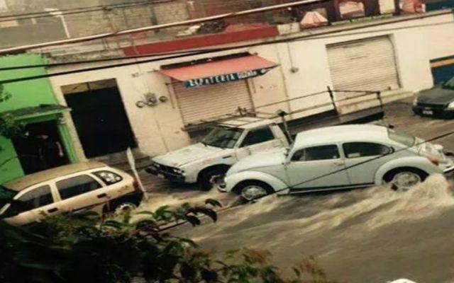 Lluvias en Puebla dejan 10 vehículos varados - Foto de Excélsior
