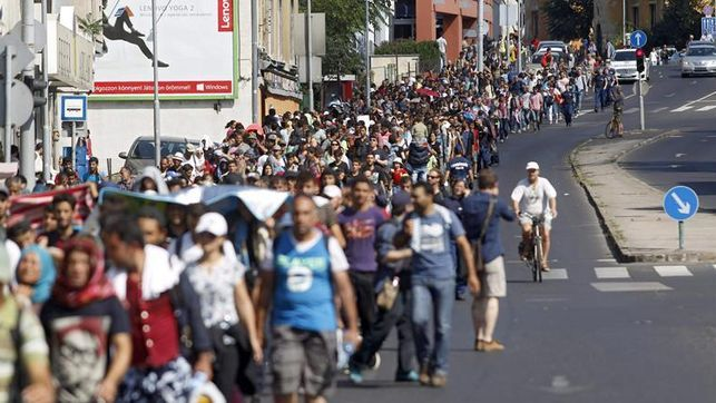 Busca UE acuerdo para reparto de 160 mil refugiados - Foto de EFE