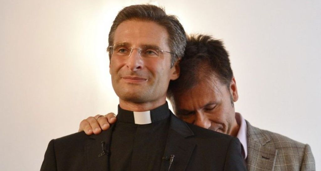 Hay más homosexuales en la Iglesia que en la sociedad: excura gay