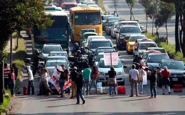 Bloqueos provocan caos vial en Constituyentes - Foto de @sopitas