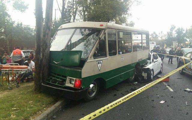 Accidente en Churubusco deja dos muertos y diez heridos - Foto de Operaciones Especiales