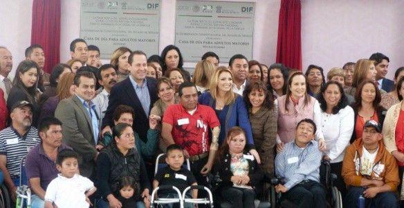 Solicita Angélica Rivera crear más empleos para discapacitados