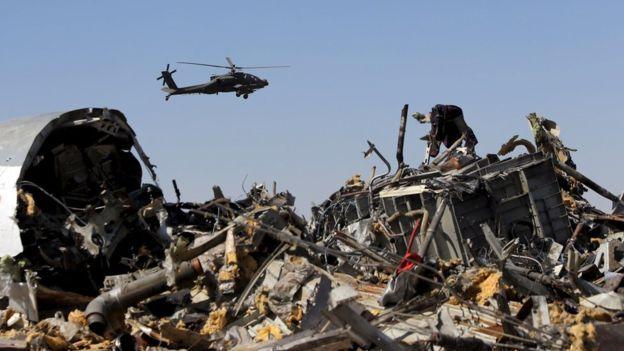 Llegan a Rusia restos de 144 víctimas del avión caído en Egipto