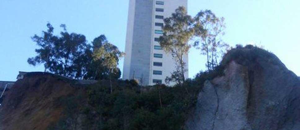 Vecino demandará a empresas por deslave en cerro de Santa Fe - Foto de GDF